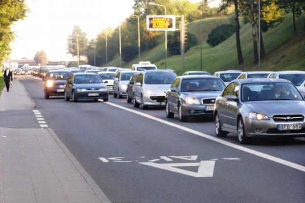 Penktadienį - nacionalinis kelių eismo taisyklių egzaminas