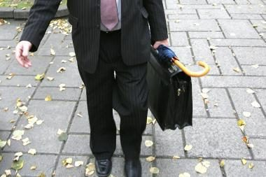 Naują tarnautojų elgesio kodeksą rengianti Seimo darbo grupė netelpa į terminus