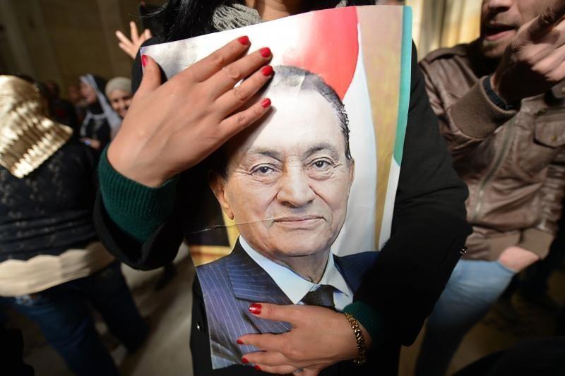 Egipto teismas nurodė iš naujo teisti buvusį prezidentą Mubaraką
