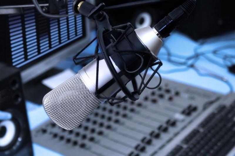Australų radijo laidų vedėjai ašarodami atsiprašė slaugytojos šeimos
