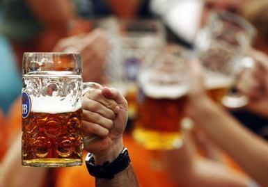 Rusai pradėjo gerti silpnesnius gėrimus