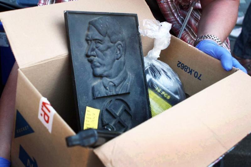 Estų kalba išleista knyga apie A.Hitlerį