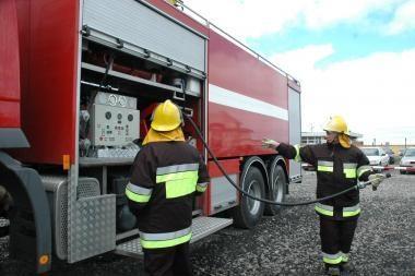 Klaipėdos r. sudegė sunkvežimis su baldais