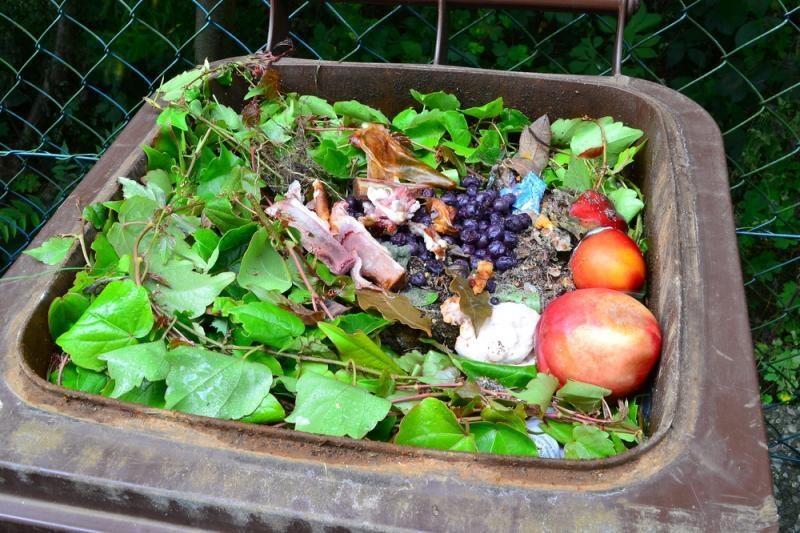 Rūšiuoti atliekas skatinami ir ūkininkai