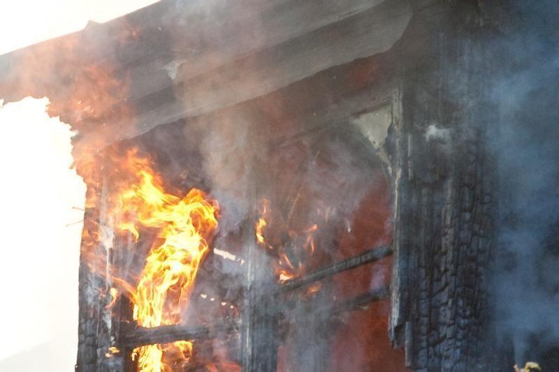 Druskininkuose per gaisrą žuvo vyras, du žmonės atsidūrė reanimacijoje