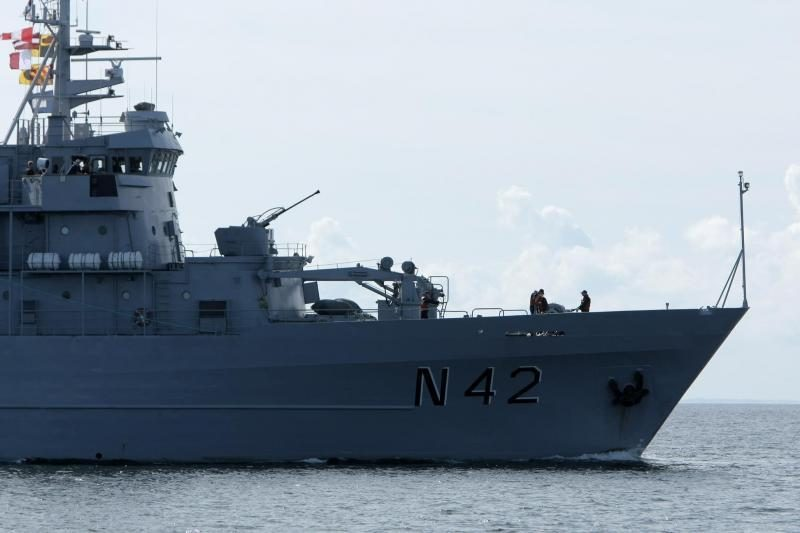 """Lietuvos karinis laivas """"Jotvingis"""" dalyvauja išminavimo pratybose"""