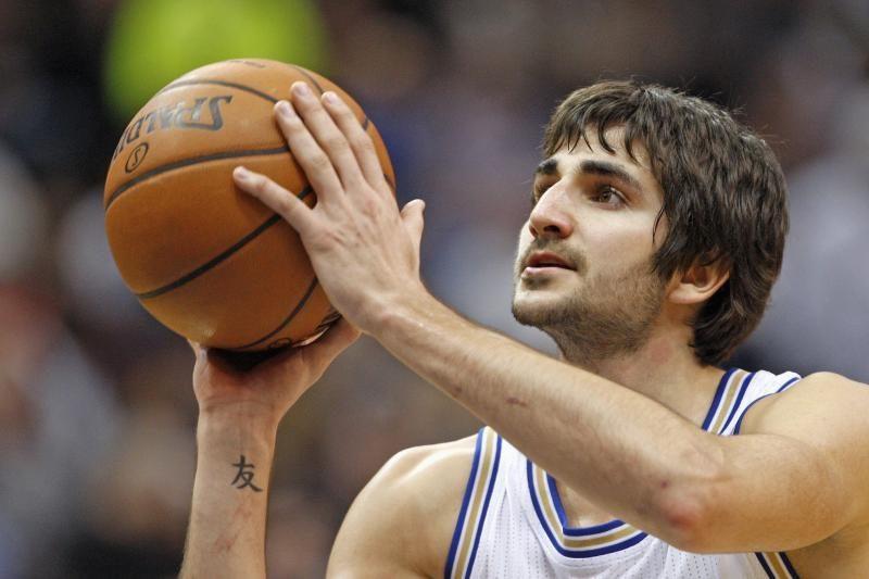 """NBA: sugrįžęs R. Rubio svariai prisidėjo prie """"Timberwolves"""" pergalės"""