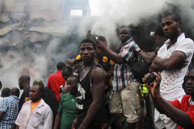 Nigerijoje nukritus keleiviniam lėktuvui veikiausiai žuvo 153 žmonės