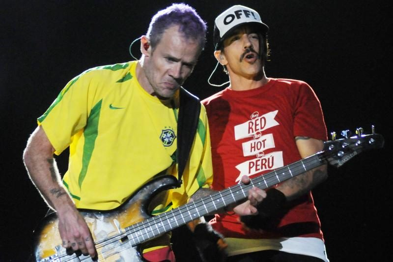 """Į Lietuvą pirmąkart atvyksta """"Red Hot Chili Peppers"""""""
