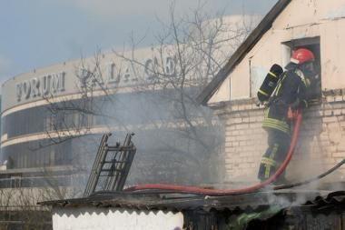 Klaipėdos r. degė sodininko pastatai