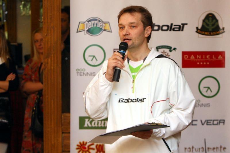 Teniso turnyro pirmoji diena palydėta nuotaikingame vakarėlyje