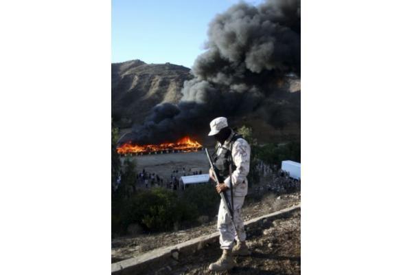 Meksikoje sudeginta rekordinė narkotikų siunta