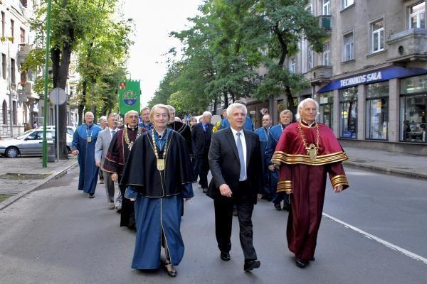 Klaipėdos studentai mokslo metus pradėjo eitynėmis