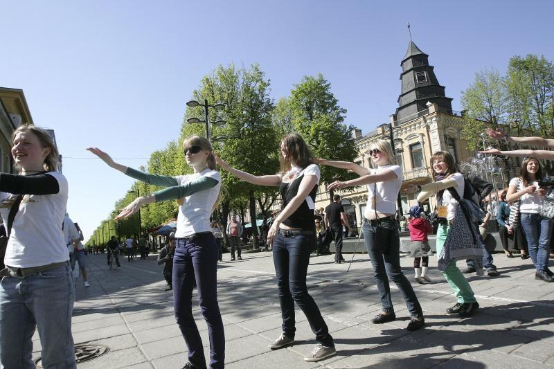 Gatvės muzikos dienoje – šokėjų antplūdis