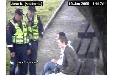 Uostamiestyje baudžiami viešai girtaujantys asmenys