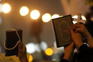 Išpuolis prieš besimeldžiančius krikščionis Egipte įžeidžia Dievą, sako popiežius