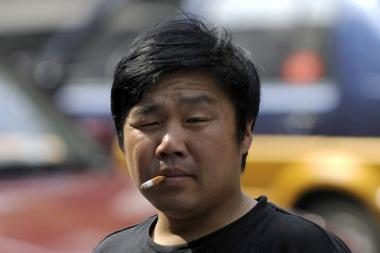 Kinijos ekonomiką gelbės priverstinis rūkymas