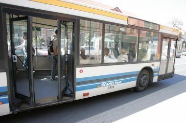 Į visus Klaipėdos autobusus – tik per priekį