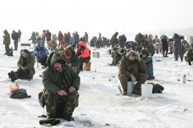 Neringą užplūdo žvejai