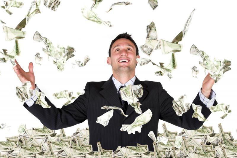 Britas loterijoje laimėjo per 100 mln. svarų sterlingų