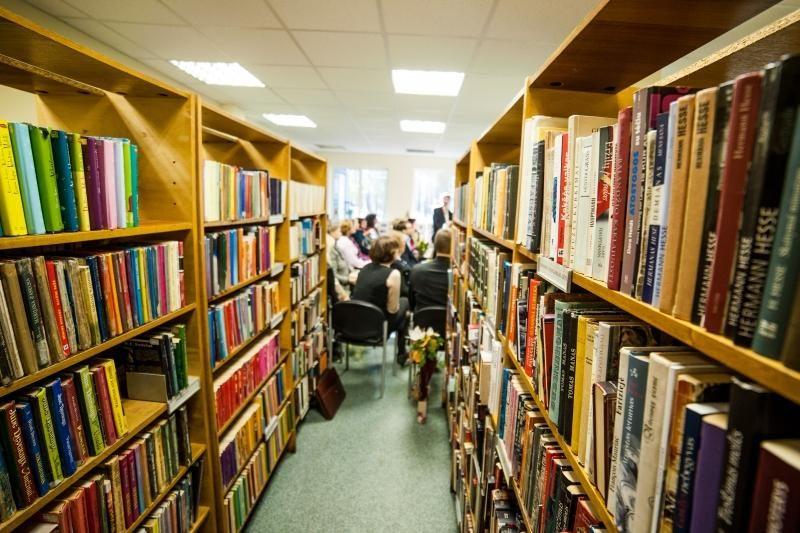 Į naują biblioteką Panemunėje – su senais baldais