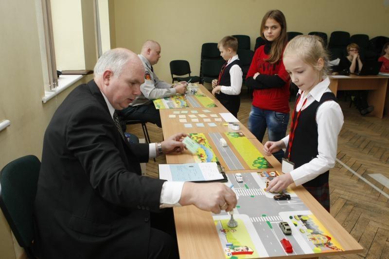 """Mažieji klaipėdiečiai varžėsi """"Šviesoforo"""" konkurse"""