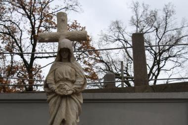Rasose restauruota M.Dobužinskio šeimos kapavietė