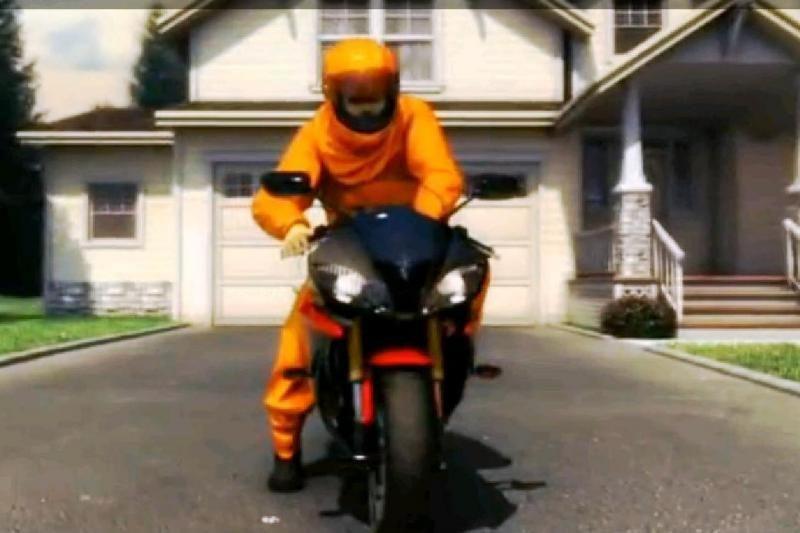 Nuo šiol saugos pagalvę turės ir motociklininkai?