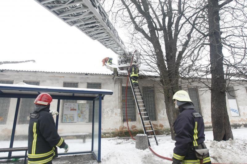 Uostamiesčio centre degė ūkinis pastatas (atnaujinta)