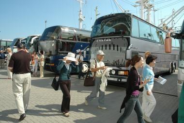 Kruizinių laivų keleivius į senamiestį gabens autobusai