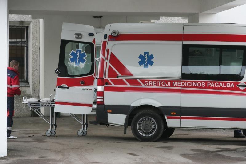 Trakų rajone susidūrė trys automobiliai, nukentėjo šeši žmonės