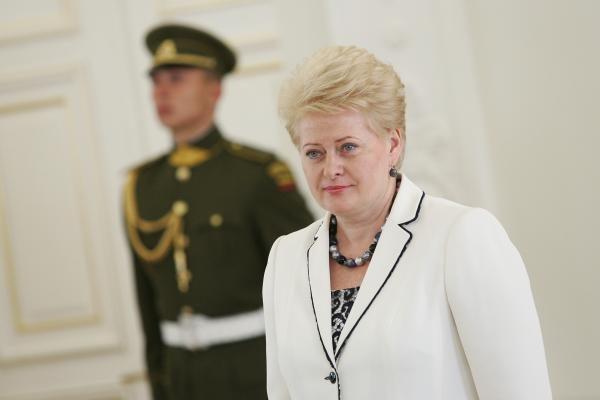 D.Grybauskaitė įteikė apdovanojimus už nuopelnus Lietuvai