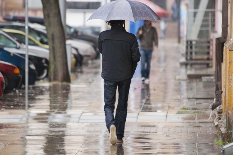 Paskutinė metų savaitė prasidės lietumi ir šiluma