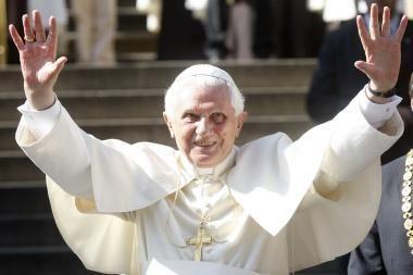 Čekijoje vizitą pradėjęs popiežius giria