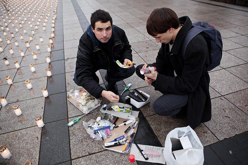Žuvusiesiems keliuose sužibo per 15 tūkst. žvakučių