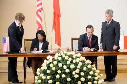 JAV ir Lenkija pasirašė gynybos sutartį (video)