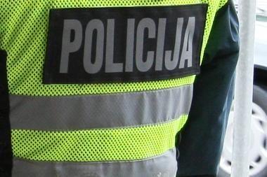 Neblaivi klaipėdietė įkando policininkui į koją