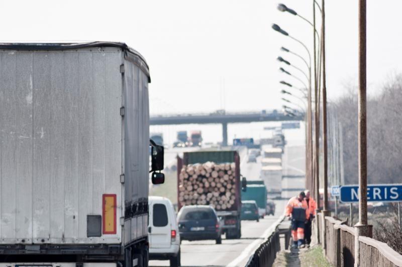 Girtas moldavas autostrada lėkė prieš eismą