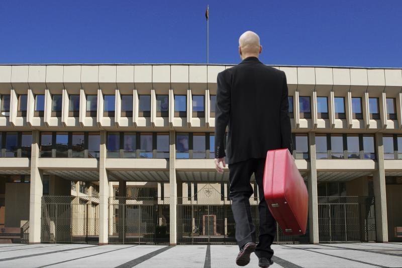Atėjo     parlamentarų atostogų metas?