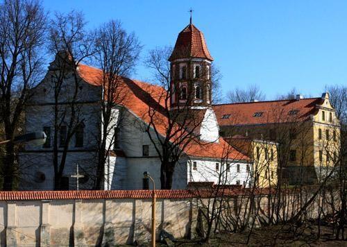Minint Šv. Mikalojaus bažnyčios sukaktį – vienuolių rankdarbių mugė