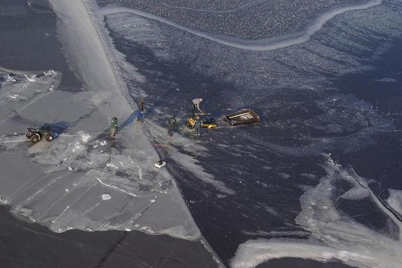 Kariai ragina nelipti ant nestabilaus ledo
