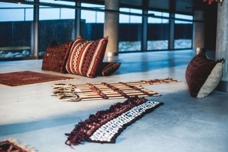 """""""Žalgirio"""" arenoje duris atvėrė unikali persiškų kilimų paroda"""