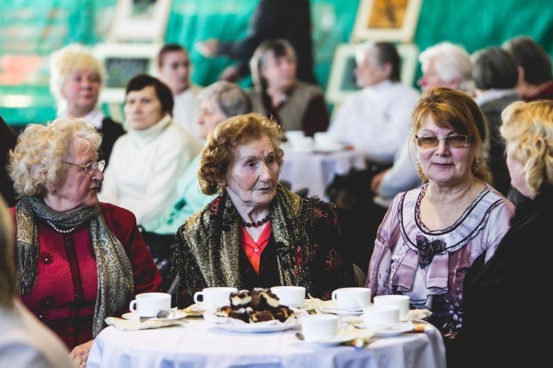 Vienišiems Kauno rajono žmonėms – velykiniai krepšeliai ir koncertas