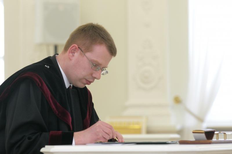 """Teisėjas G. Viederis prašymą atleisti iš pareigų priėmė """"spaudžiamas"""""""