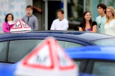 Klaipėdoje vairavimo mokyklos vadovas pasisavino 600 tūkst. litų