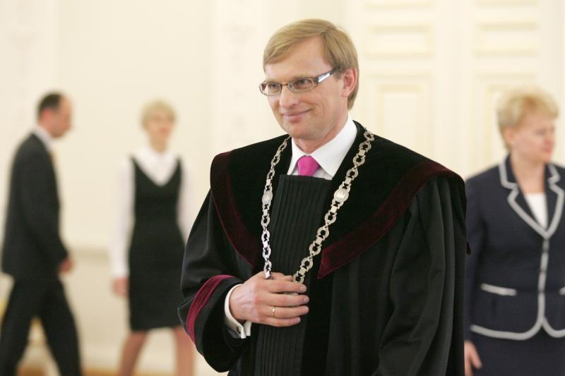 Prezidentė paskyrė A.Valantiną į aukštesnį teismą