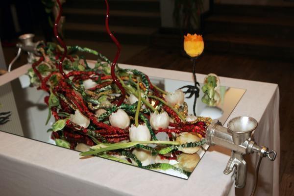Floristikos gerbėjams – 100 gyvų gėlių kompozicijų