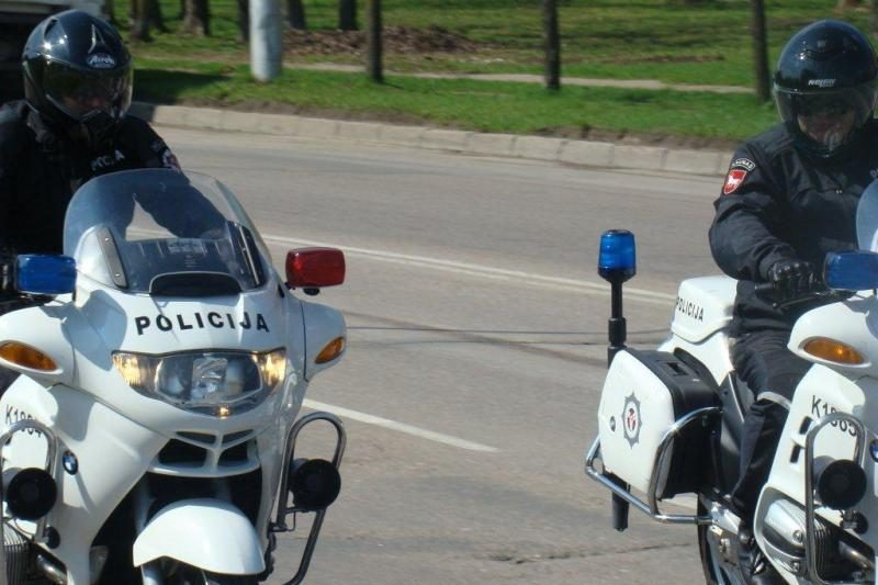 Tramdydama pažeidėjus Kauno policija sėda ant motociklų