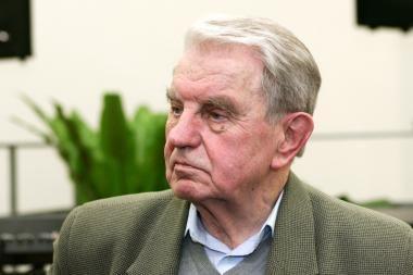 Paminklo atidengime dalyvaus J.Marcinkevičius