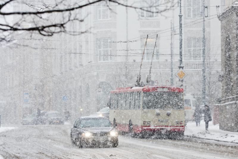 Kelininkai perspėja: visoje Lietuvoje sninga
